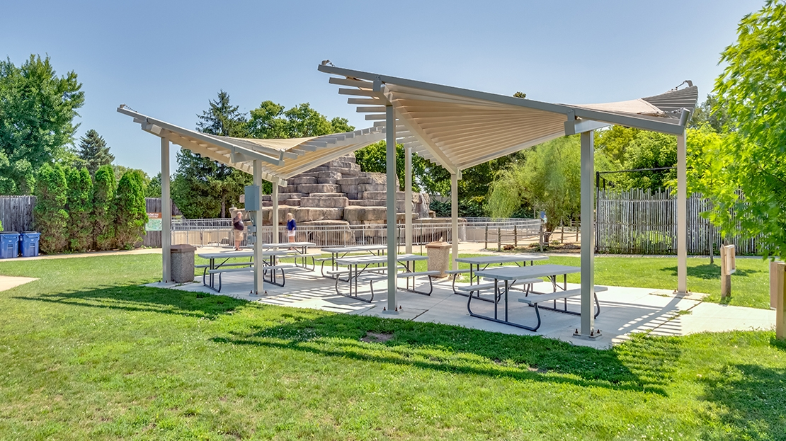 zoo picnic shelter